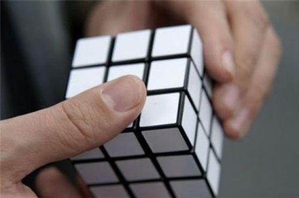Cub-Rubik-Pentru-PROSTI